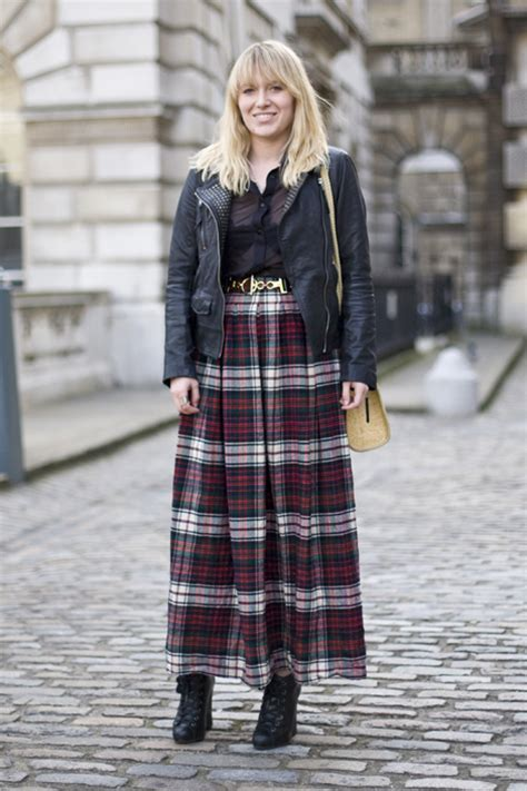 Of The Blogs Silver Plaid And The Wears Prada by The Plaid Skirt And Its Many Faces The Fashion Tag