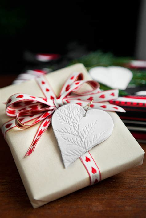 recycled gift wrap ideas a homemade living eco friendly gift wrap ideas popsugar smart living
