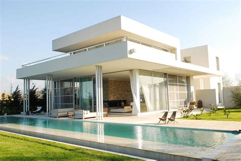 modern wall house with water elements idesignarch