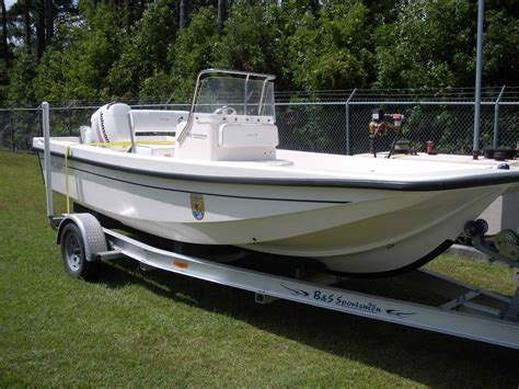 file fast boat on car trailer jpg wikimedia commons - Boat Car Trailer