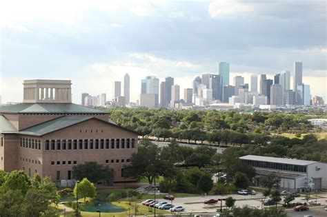 Global Energy Executive Mba Of Houston by Bauer Energy Center Named For Energy Exec News