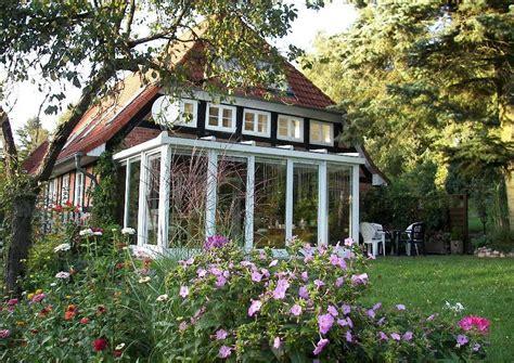 landhaus wintergarten landhaus wintergarten und sitzecke am haus