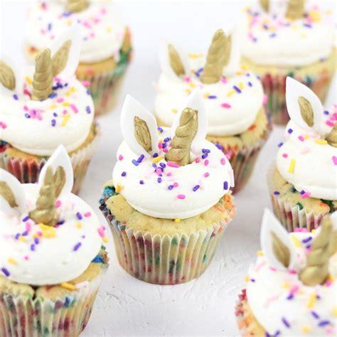 decorar cup cakes faciles 30 fant 225 sticos cupcakes de unicornio super f 225 ciles de hacer