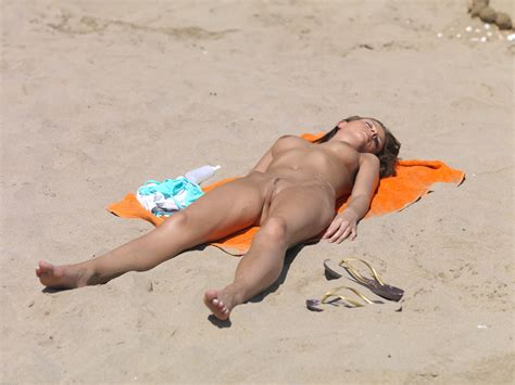 stasha nudist beach 052610 029 xxxl stashanudistbeach