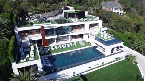 inside bruce makowsky s 250 million dollar mansion metro at usd250 million los angeles home most expensive listed