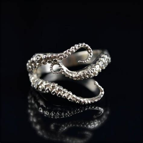 sale seductive ring 14k white gold