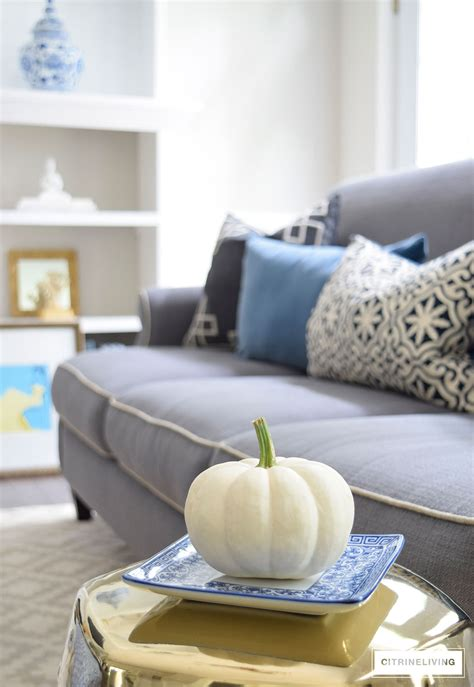 grey sofa with blue pillows harvest haven fall tour 2016 citrineliving