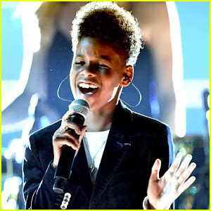 childish gambino young simba jd mccrary photos news and videos just jared jr
