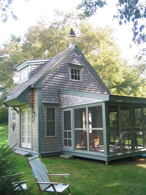 tiny cottage best 25 tiny cottages ideas on character