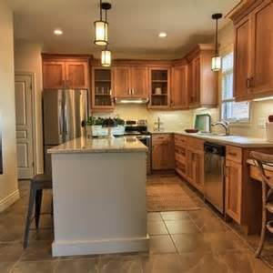 what paint color goes best with honey maple cabinets 25 best ideas about revere pewter kitchen on pinterest