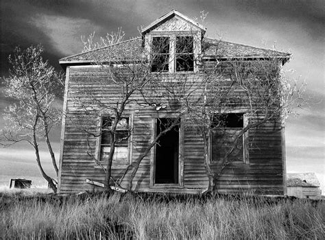 haunted houses in mn top five most haunted places in minnesota
