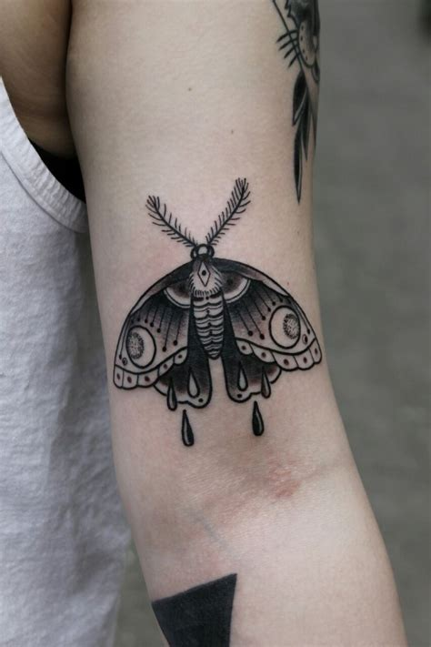 moth tattoos designs 25 best ideas about moth on moth
