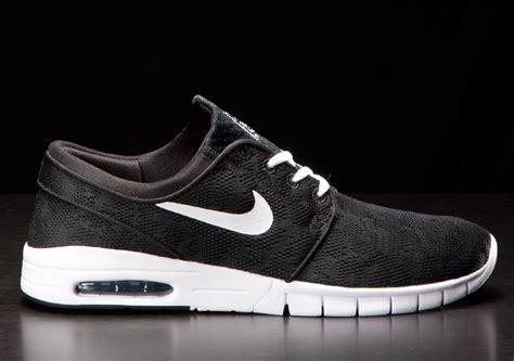 Nike Stefan Jonski Black nike sb stefan janoski max black white sneakers addict
