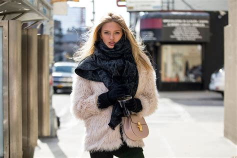 Bewerbungbchreiben Fur New Yorker On The Nyfw F W 2016 Of The Minute