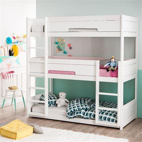 id 233 es de chambre pour deux et trois enfants