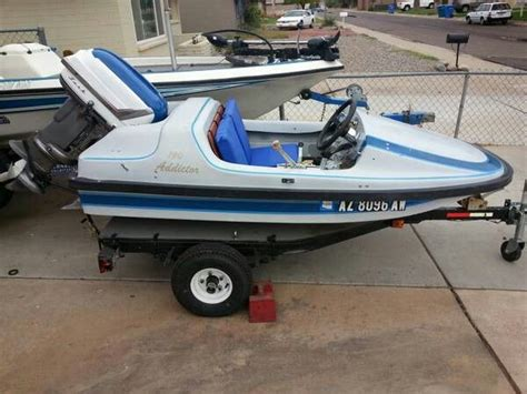 addictor mini boat addictor speed boat w 30hp water crafts pinterest