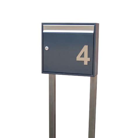 Briefkasten Anthrazit Freistehend by Briefkasten Freistehend Mit Hausnummer Anthrazit Se5h