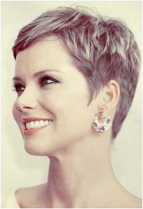 Pixie Cuts For Women Over 40 | cute hairstyles for short hair popular haircuts