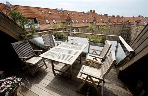 terrazze in legno terrazze in mezzo ai tetti mansarda it