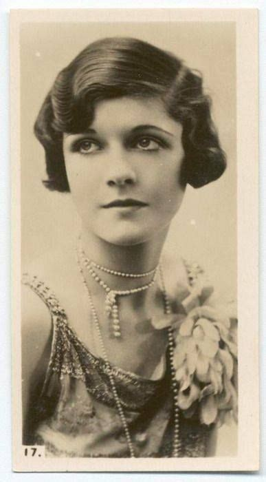 names of 1920s hairstyle names of hair styles in 1920s pinterest the world s