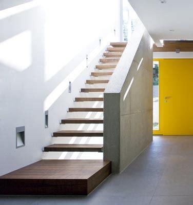 fliesen für außentreppe podest treppe idee