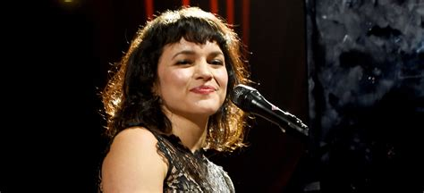 norah jones singer singer norah jones gives birth to second child report