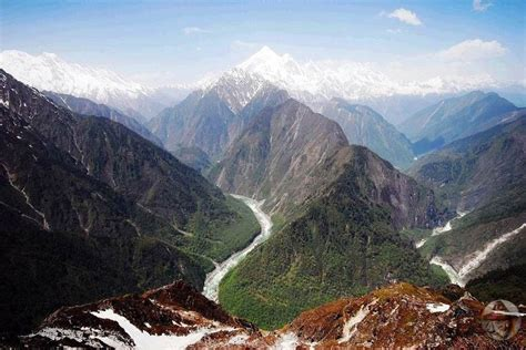 himalayas tibet caltech geologists himalaya gorge not formed by water erosion