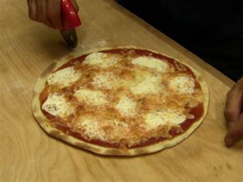 pizza veloce fatta in casa pizza veloce senza lievito fatta in casa vivalafocaccia
