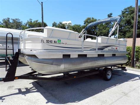 used pontoon boats for sale leesburg fl 2006 used suntracker 21 party barge pontoon boat for sale