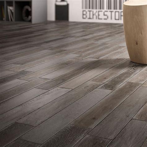 piastrelle effetto legno prezzo gres porcellanato effetto legno prezzo idee di design