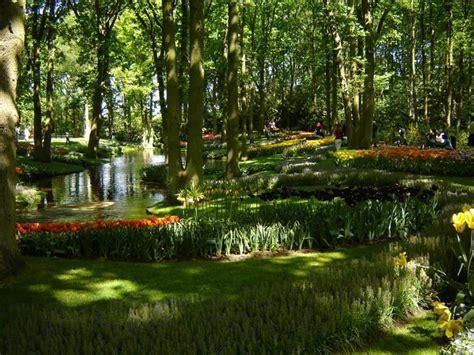 flower garden netherlands world s largest flower garden keukenhof netherlands