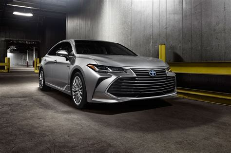 2019 toyota avalon hybrid preview 2019 toyota avalon look the next big toyota motor