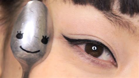 eyeliner tutorial spoon my spoon story apply eyeliner mascara curl your lashes