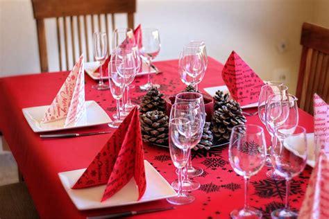 como decorar una con motivos manteles con motivos navideos interesting kamaca kit de punto de para mantel algodn x cm