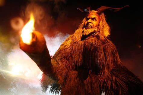 film monster natal 106 best inspirations christmas krus images on
