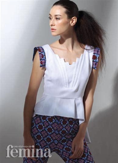Maxi Stela Biru fashionably ethnic
