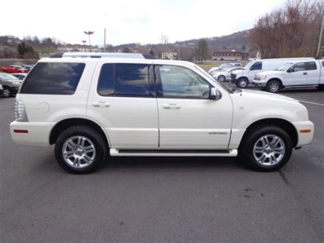 purchase used 2010 mercury mountaineer premier awd navigation rear dvd heated seats sync black buy used 2007 mountaineer premier v6 awd heated leather navigation sunroof video carfax in for