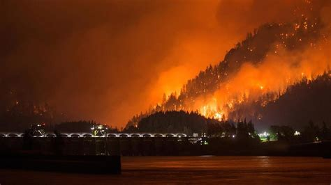 Portland Oregon Nw Mba Sept 9 by Eagle Creek Explodes Forces Evacuations I 84 Closed