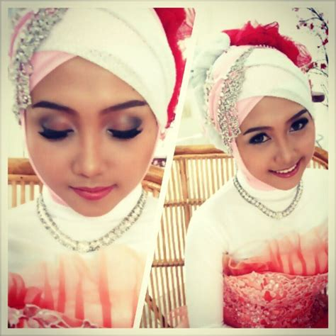 Make Up Prewedding make up for pre wedding photoshoot by marsia yulia signature make up bridestory