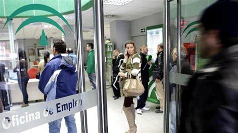 oficina servicio andaluz de empleo la junta fracasa en su batalla contra el paro juvenil
