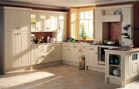 cuisine m騁al et bois la cuisine rustique ou l harmonie de la d 233 co et bois