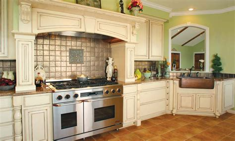French Country Style Kitchen | huntwood usa kitchens and baths manufacturer