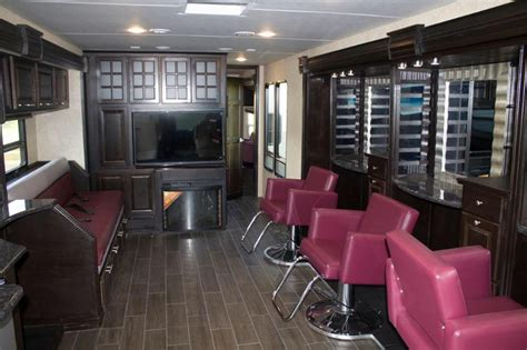 Mobile Hair Dressers by These Experts Moved Their Operations Into 2 Totally