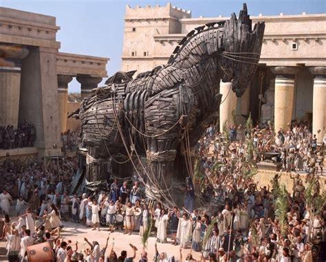 la guerre de troie 2210750679 la guerre de troie de la mythologie grecque est toujours d actualit 233 monseigneur et mondieu