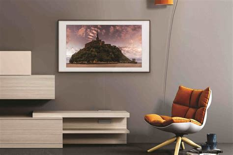 Samsung The Frame Samsung S Frame Tv Features Improved Hdr And New Smart Controls The Verge