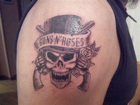 gun and rose tattoos guns n roses by curi222 on deviantart