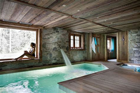 spend  holiday   cozy chalet  french alps