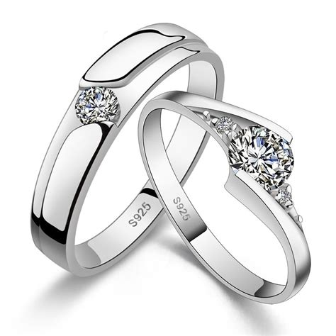the differences between engagement and wedding ring