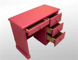 children s pink desk