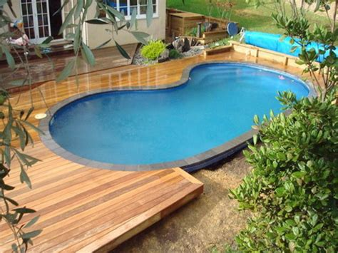 Backyard Pools And Spas Tillsonburg Above Ground Swimming Pool Designs Pools And Spas Pool